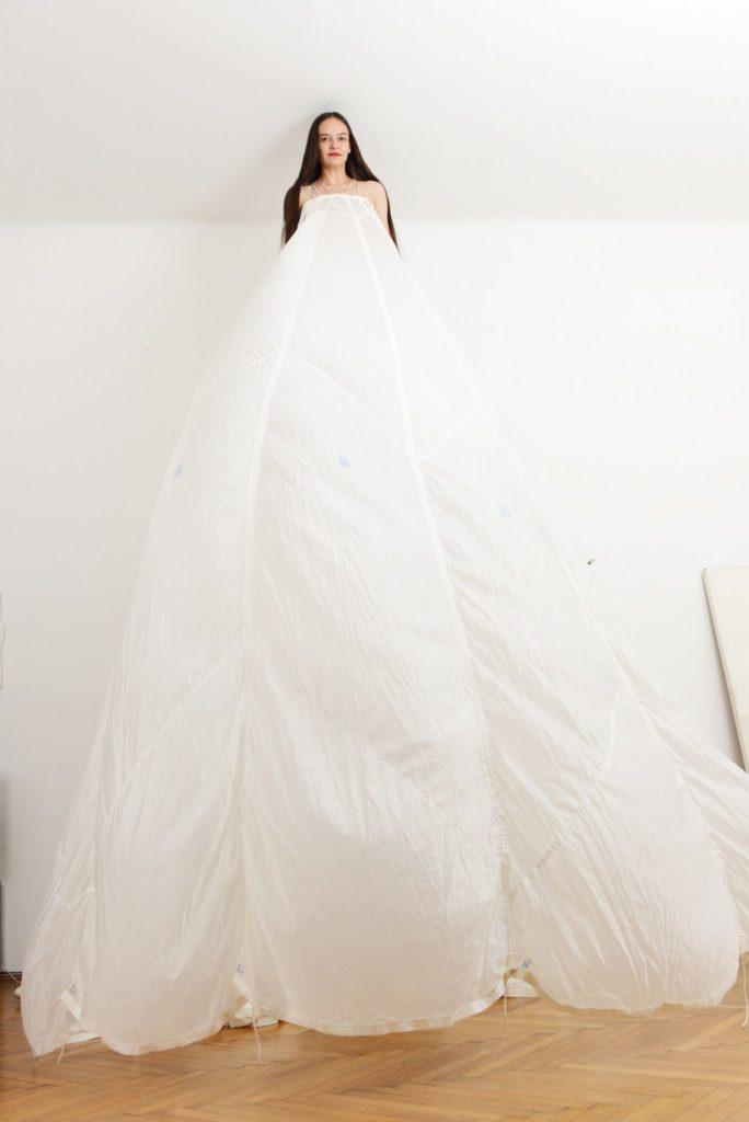 3 Min Fallschirmkleid (c)Alexandra Eizinger