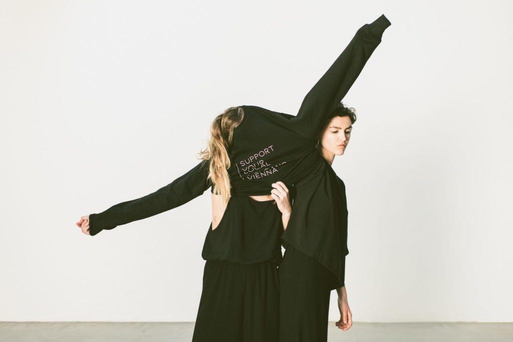 #supportyourlocalgirlgangvienna Designerin/Künstlerin: ©Birgit Rampula Designerin/Künstlerin: ©Katharina Amenitsch Fotografin: ©Karin Hackl Make-Up: ©Julia Marinics Models: Anna Rubner, Elisa Brockmann