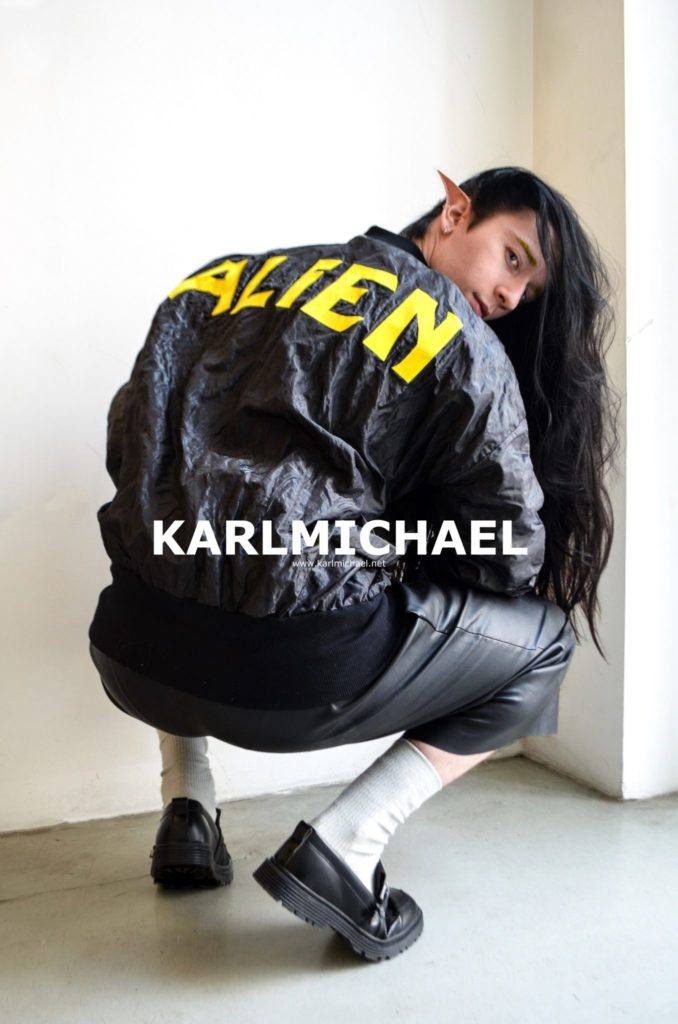 Hello I`m an Alien Designer_in: ©Karl Michael Models: Marco Blau